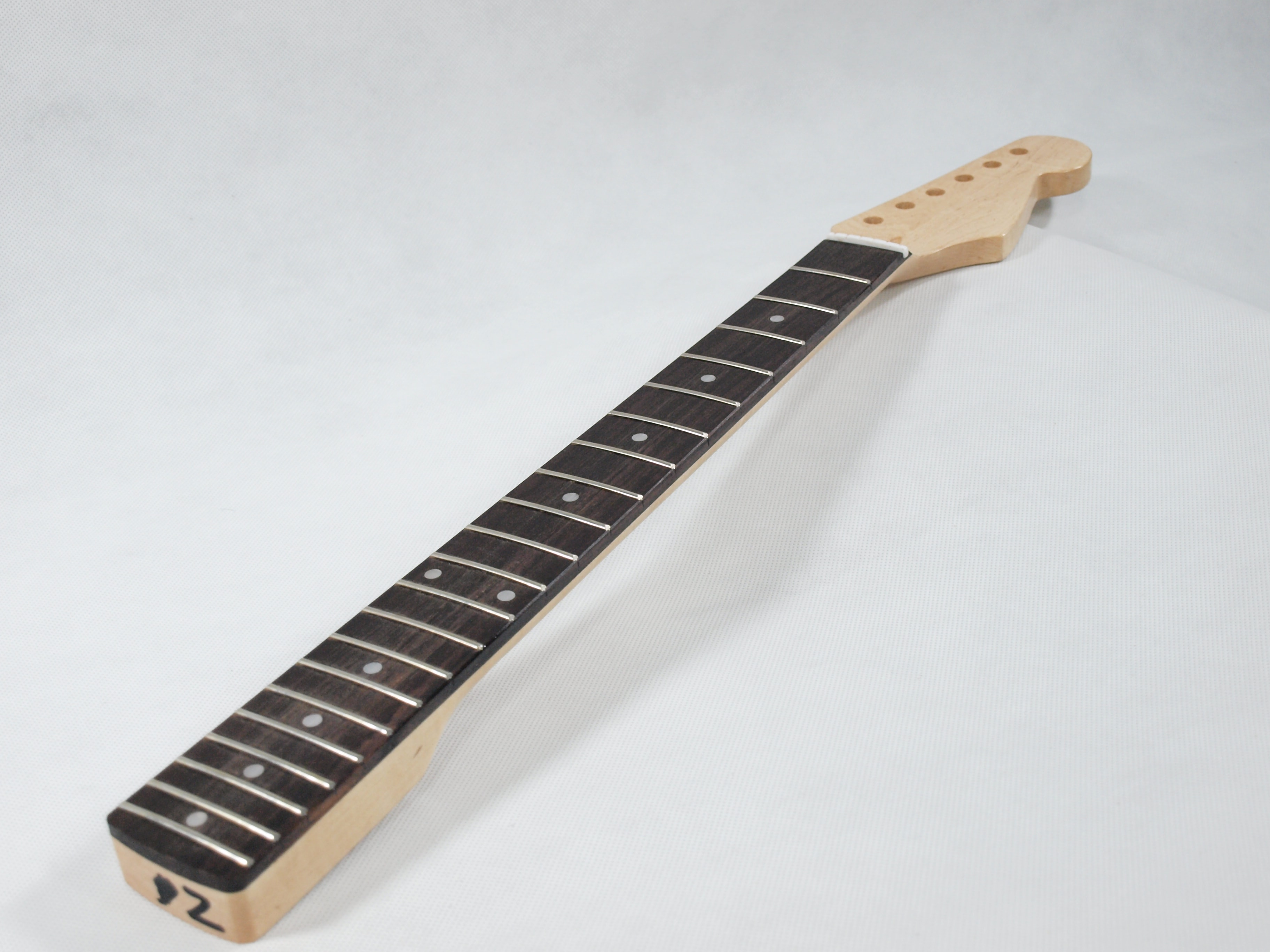 Solo st style diy guitar kit basswood body rosewood fb solo diy guitar kits solutioingenieria Images